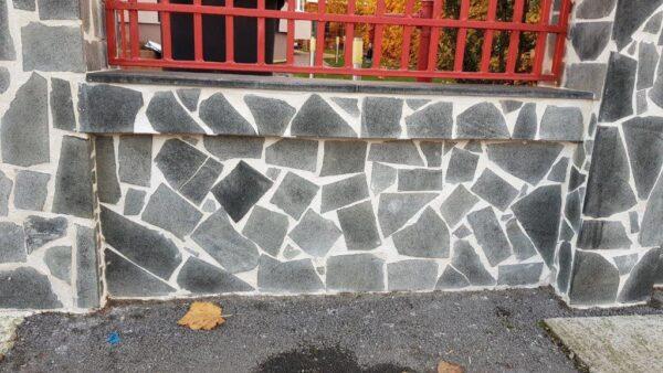 Crazy paving andezit (forme neregulate, piatra poligonala )